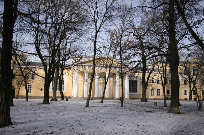 """Парк Академии художеств<br><a href=\""""http://vkontakte.ru/page30122717\"""">http://vkontakte.ru/page30122717</a>"""